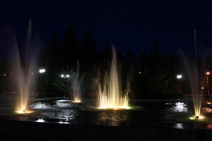 На площади ночью