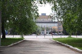 Вид с аллеи улицы Первомайской на главную площадь