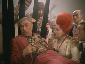 Эраст Гарин в роли короля « Каин XVIII »