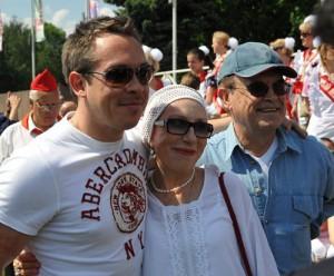 Глеб Панфилов и  Инна Чурикова с сыном